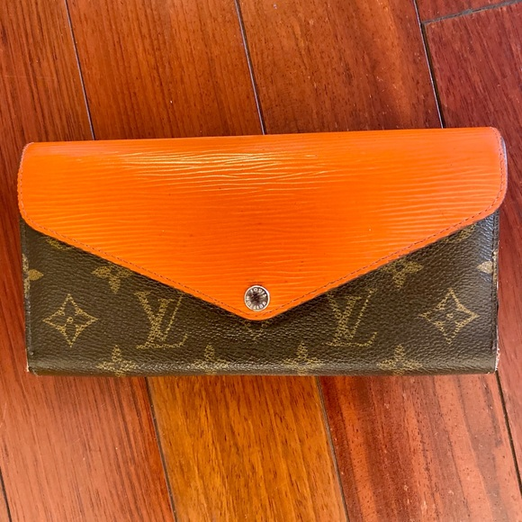 Louis Vuitton Handbags - Louis Vuitton wallet